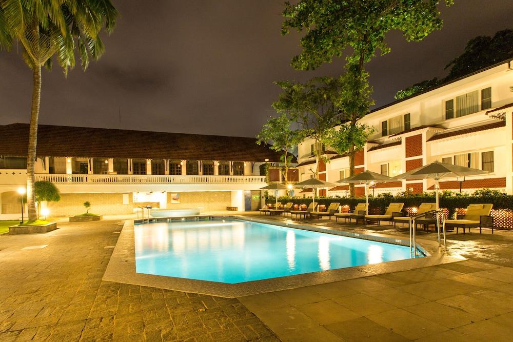 Casino Hotel - Cgh Earth- Cochin