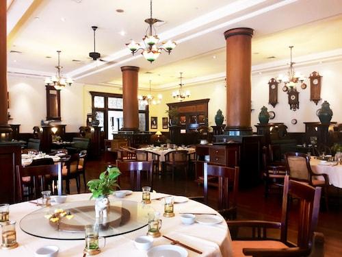Hotel Majapahit Surabaya Managed by AccorHotels, Surabaya