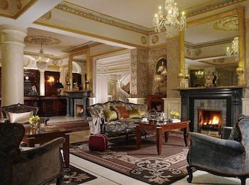 Hotel - Buswells Hotel