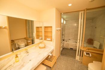 GINZA CRESTON Bathroom