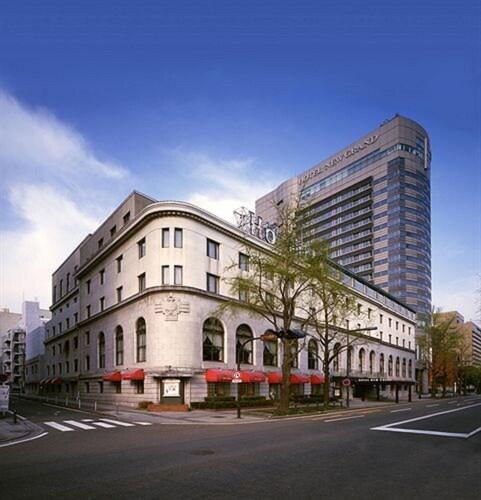 . Hotel New Grand