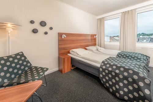Sandnes - Hotel Sverre - z Krakowa, 9 kwietnia 2021, 3 noce