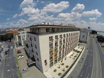 Hotel - Devin Hotel
