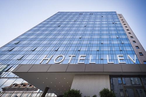 . Hotel Lev