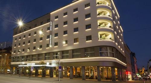 . Best Western Premier Hotel Slon