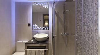 Hotel Reina Cristina - Bathroom  - #0