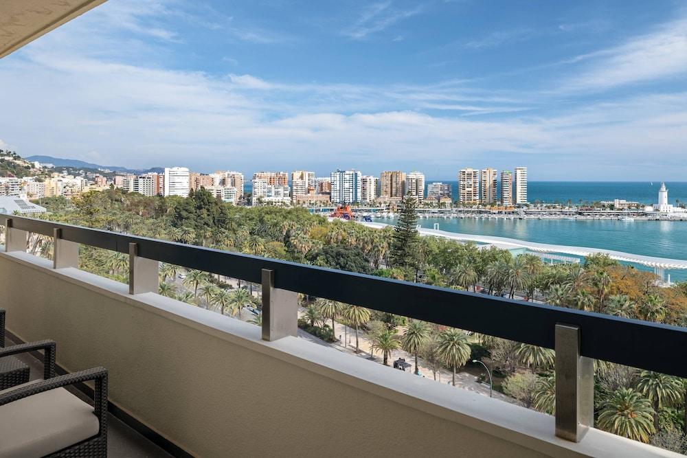 https://i.travelapi.com/hotels/1000000/50000/47000/46926/696c4a79_z.jpg