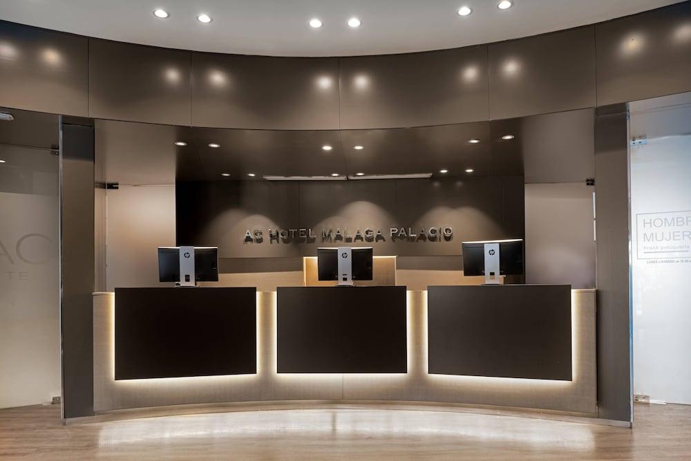 https://i.travelapi.com/hotels/1000000/50000/47000/46926/eb466d88_z.jpg