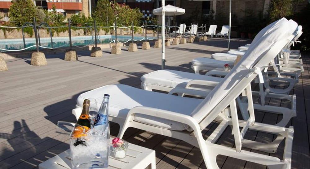 호텔 팔라폭스(Hotel Palafox) Hotel Image 15 - Outdoor Pool