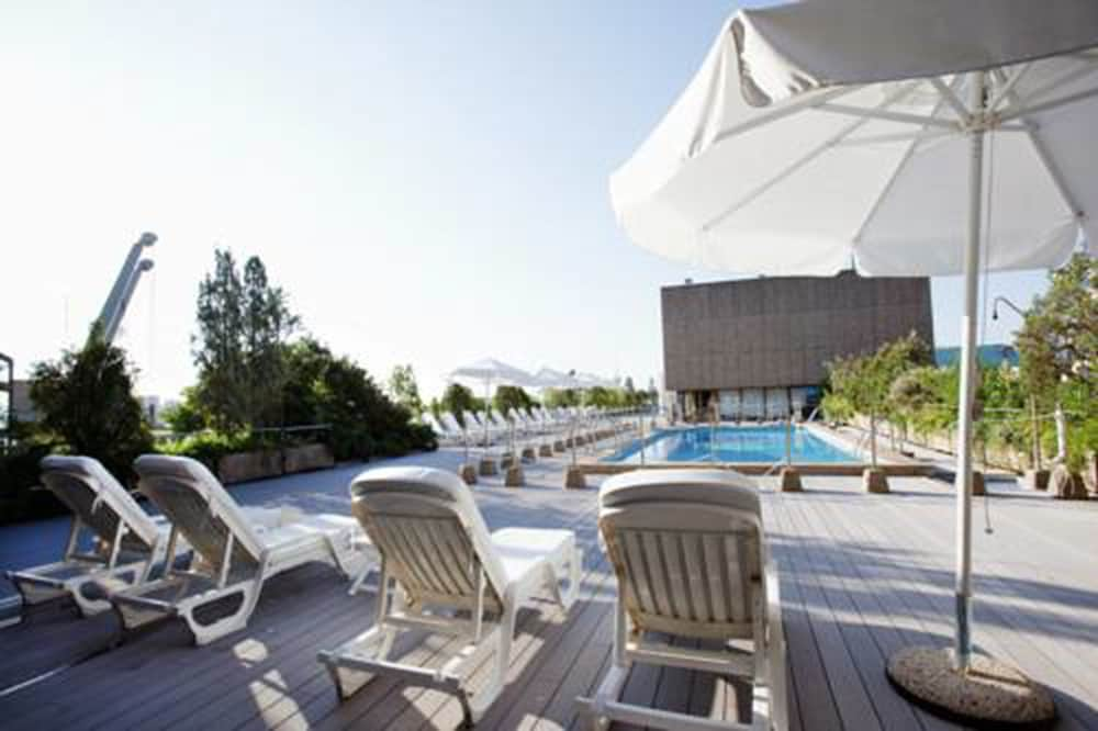 호텔 팔라폭스(Hotel Palafox) Hotel Image 16 - Outdoor Pool