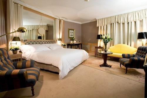 . Hotel Palafox