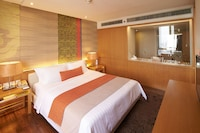 Executive Suite, 1 King Bed, Business Lounge Access (Terrace)