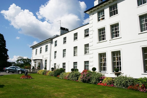 . West Lodge Park Hotel