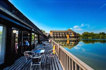 리딩 레이크 호텔(The Reading Lake Hotel) Hotel Image 10 - Terrace/Patio