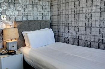 Best Western Edinburgh South Braid Hills Hotel - Guestroom  - #0