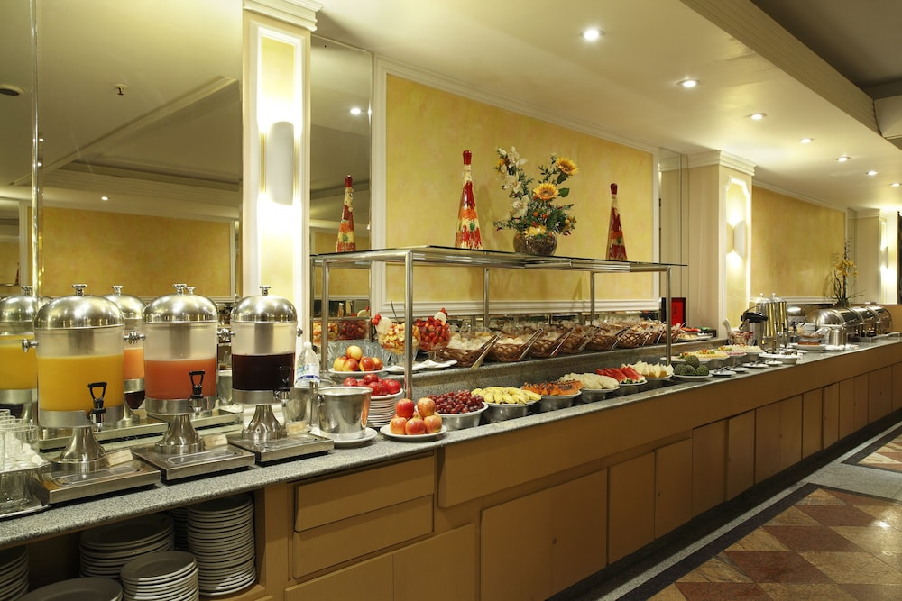 매저스틱 리오 팰리스 호텔(Majestic Rio Palace Hotel) Hotel Image 14 - Buffet