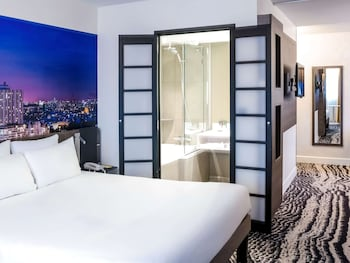 Executive Room, 1 Queen Bed with Sofa bed, Sea View (Paris View)