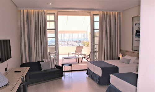 . Hotel Puerto Sherry