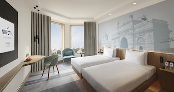 Premier Room, 1 King Bed, City View (High Floor)