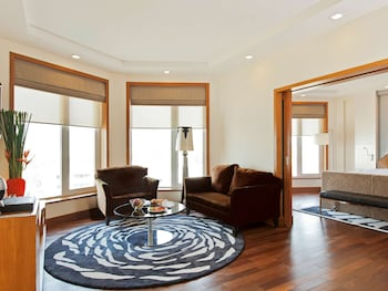 Executive Suite, 1 King Bed, Ocean View