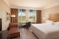 Executive Room, 1 King Bed, Courtyard View