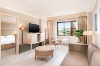 Suite, 1 Bedroom, Garden View