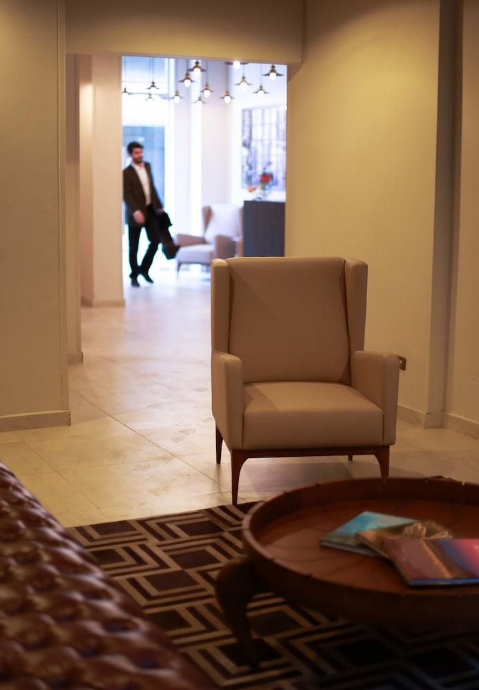 템포 렌트 아파트 호텔(Tempo Rent Apart Hotel) Hotel Image 1 - Lobby Sitting Area