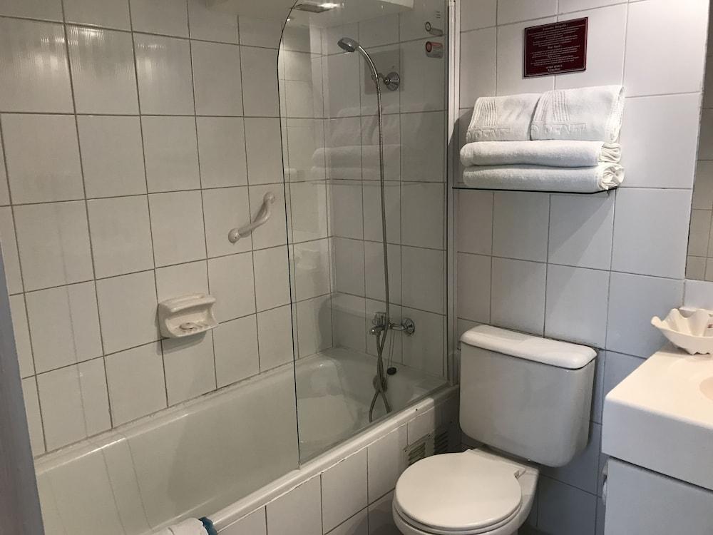 템포 렌트 아파트 호텔(Tempo Rent Apart Hotel) Hotel Image 28 - Bathroom