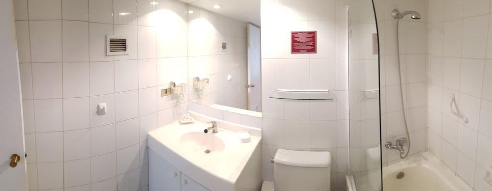 템포 렌트 아파트 호텔(Tempo Rent Apart Hotel) Hotel Image 27 - Bathroom