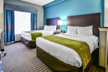 Suite, Multiple Beds, Non Smoking, Jetted Tub (2 Queen Beds, 1 Sofa Bed)