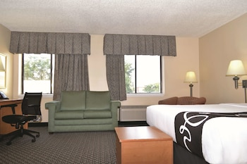 Deluxe Suite, 1 King Bed, Non Smoking