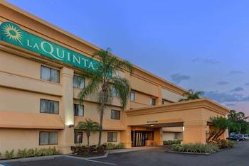 西坦帕布蘭頓溫德姆拉昆塔套房飯店 La Quinta Inn & Suites by Wyndham Tampa Brandon West