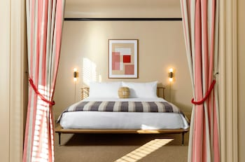 Suite, 1 King Bed (The King Suite)