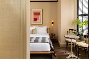 Standard Room, 1 King Bed (The King)