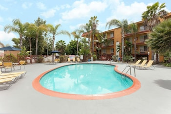 Hotel - Days Inn by Wyndham Mission Valley Qualcomm Stadium/ SDSU