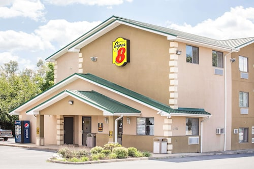 Super 8 by Wyndham Harrisonburg, Harrisonburg
