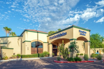 Hotel - Days Inn & Suites by Wyndham Scottsdale North