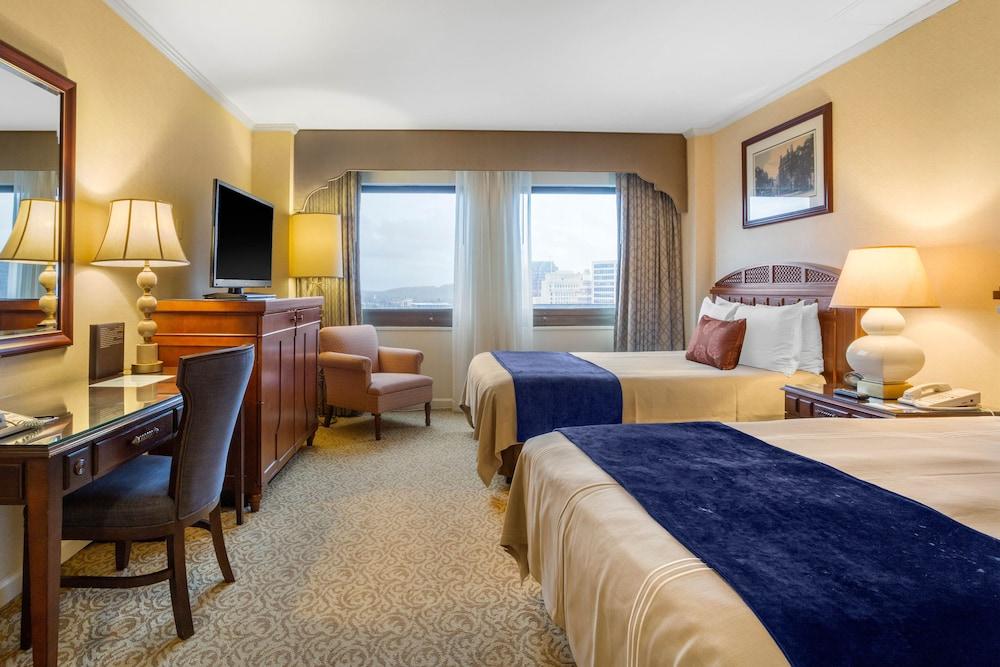Suite, 1 Bedroom (1 King Bed)