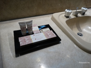 Century Park Hotel Manila Bathroom Amenities
