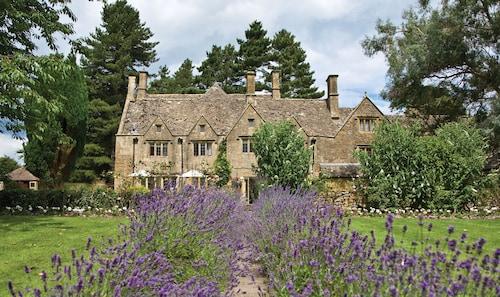 . Classic Lodges - Charingworth Manor