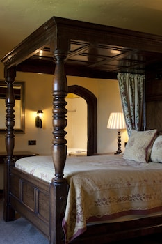 Feature Four Poster Room