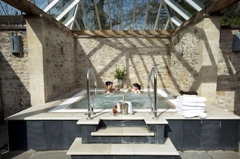 Charlton House Spa Hotel - Outdoor Spa Tub  - #0
