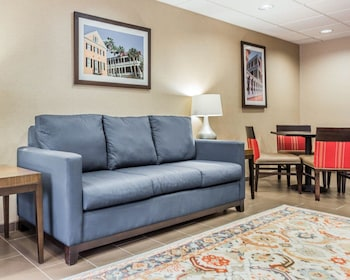 Lobby at Comfort Suites at Isle Of Palms Connector in Mount Pleasant