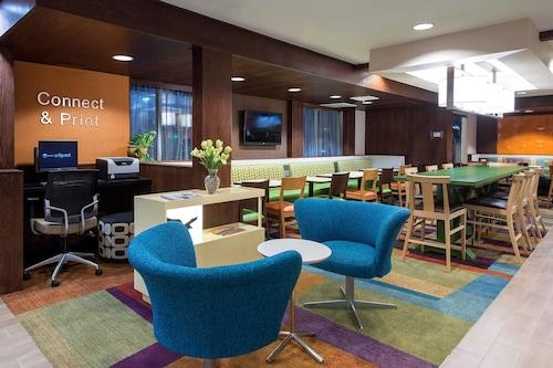 . Fairfield Inn & Suites by Marriott Jacksonville