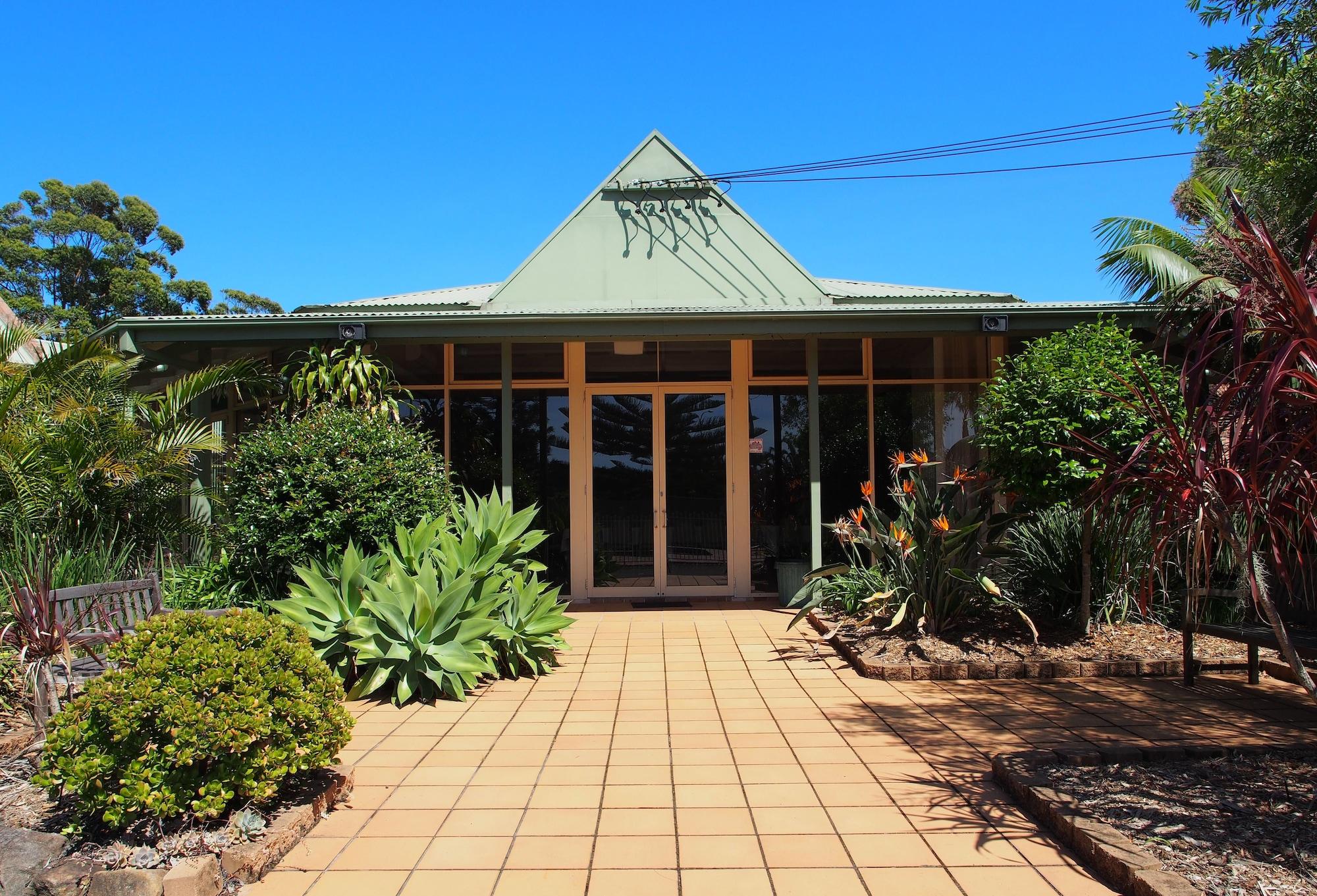 Golf Place Inn, Wollongong Bal