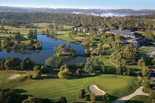 . Country Club Tasmania