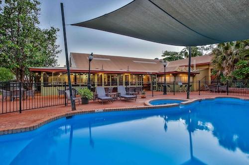 . Kimberley Hotel Halls Creek