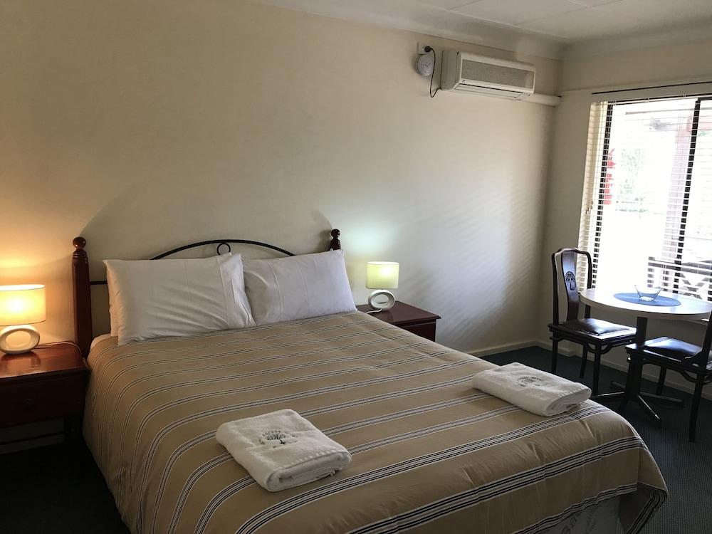 카리 포레스트 모텔(Karri Forest Motel) Hotel Image 13 - Living Room