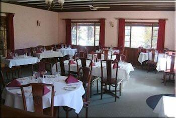 카리 포레스트 모텔(Karri Forest Motel) Hotel Image 25 - Restaurant
