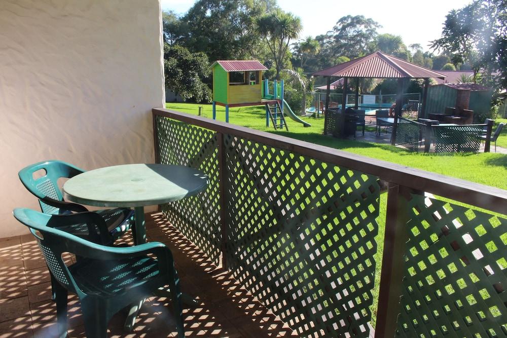 카리 포레스트 모텔(Karri Forest Motel) Hotel Image 14 - Balcony